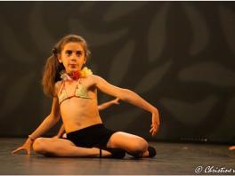 Enfant 7 ans danse moderne